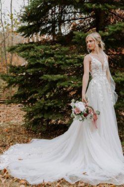 Schlichtes Hochzeitskleid V Ausschnitt | Brautkleider A Linie Spitze | Babyonlinedress.de