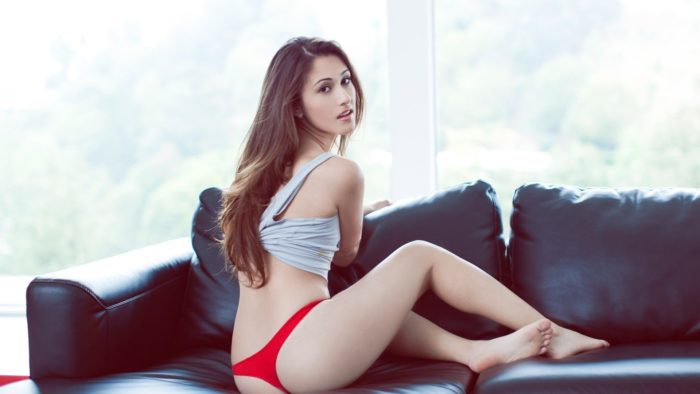 Spend your previous time with sexy beauty in Delhi Escort